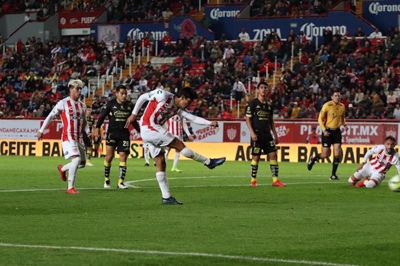 Con este resultado en la cancha del estadio Victoria, Rayos desperdició su localía, aunque continuó invicto y llegó a siete unidades, en tanto Monarcas llegó a cuatro puntos