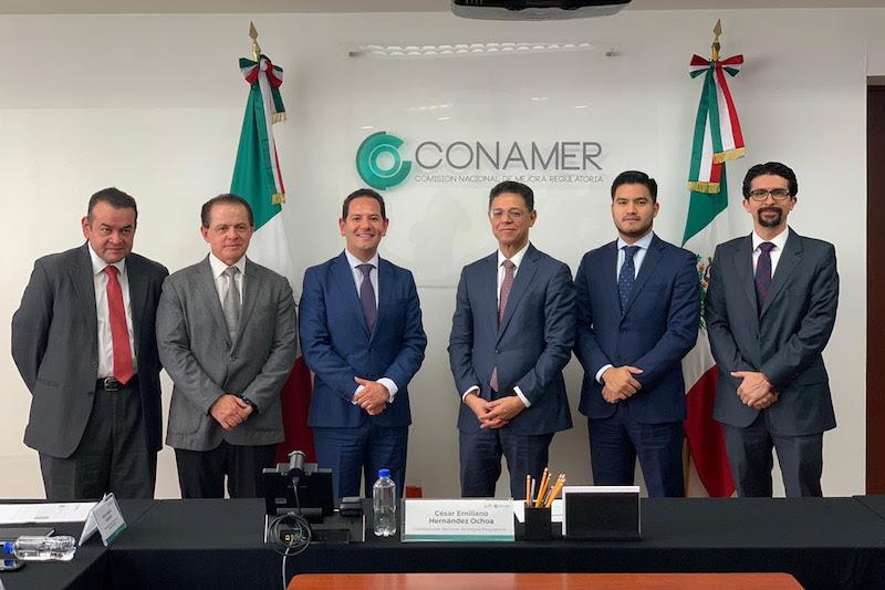 Durante el encuentro, los funcionarios analizaron las acciones que trajeron como resultado el avance que ha tenido Michoacán en la implementación de las políticas públicas para la simplificación de trámites