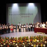Autoridades delegacionales del Instituto Mexicano del Seguro Social y del Sindicato Nacional de Trabajadores del Seguro Social, en Michoacán, coincidieron en puntualizar que dichos reconocimientos son testimonio del esfuerzo, vocación de servicio y entrega