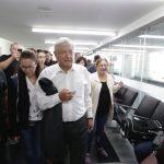 Al no conseguir lugar en el vuelo de las 4 de la tarde el presidente y su comitiva se vieron obligados a regresar por tierra a la Ciudad de México