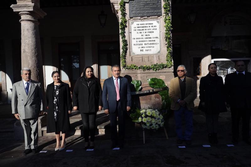 En compañía de funcionarios municipales, el alcalde, Morón Orozco  consideró de suma importancia el seguir honrando a personajes de la historia de nuestro país y sus ideales de justicia y democracia