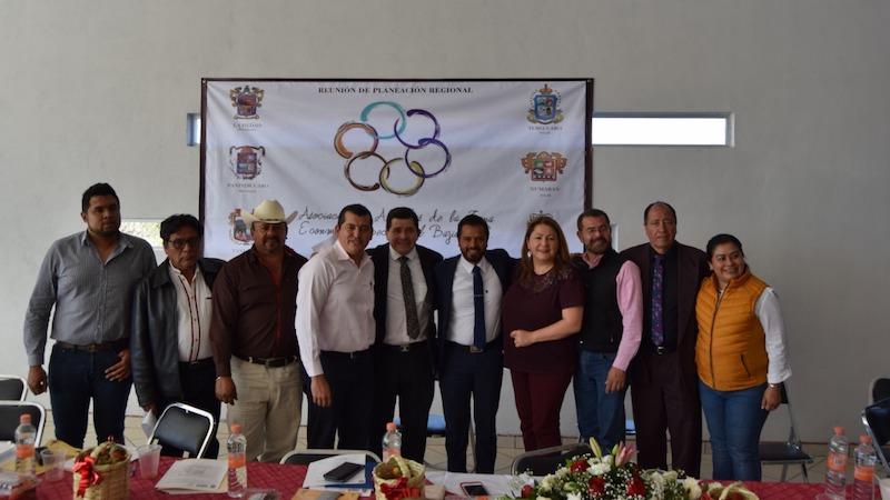 En su oportunidad, Sergio Pimentel, coordinador estatal de Morena, refrendó el apoyo para los alcaldes de la región y la ciudadanía por parte de los legisladores de este partido