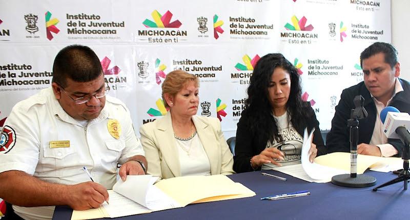 Se vinculan más de 60 jóvenes con la asociación civil, para la realización de su servicio social