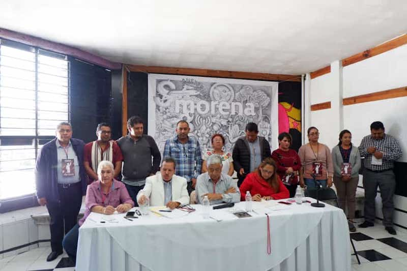 La moción, fue parte de las acciones convenidas por el Consejo Estatal de Morena, al sesionar este domingo con el quórum requerido para dar legalidad a los acuerdos de asamblea