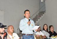 Carlos Torres Piña señaló que no está de acuerdo en que ese otro grupo incurra reiteradamente en los errores que han debilitado al sol azteca, además de que lo vean como un negocio para amigos y familiares