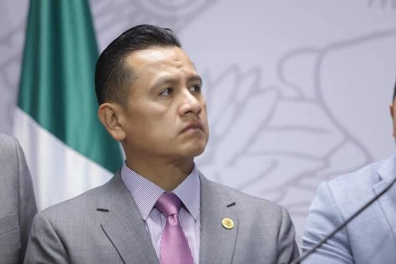 Torres Piña confirmó que tras 23 años de militancia -y con mucha tristeza- oficializó su renuncia definitiva a ese partido