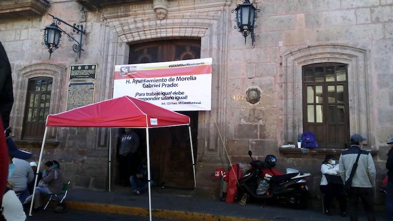 Los encabezados por Ernesto Santamaría Reyes exigen la homologación de sueldos con los integrantes de su sindicato rival, el SEMACM, que encabeza Jorge Molina Bazán