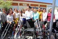 El Gobierno del Estado a través del Sistema DIF, entrega apoyos a 11 presidentas municipales para hacerlos llegar a personas con discapacidad y mujeres embarazadas