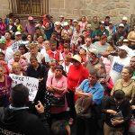 Los líderes sociales mencionaron que las demandas existentes en su pliego petitorio encabezan las demandas más sentidas de los habitantes michoacanos, entre las que destacan pavimentaciones, introducción de drenajes y alumbrados públicos