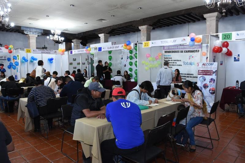 En el marco de la primera Feria de Empleo Morelia 2019, Gustavo Valenzuela Cantellano, director del Empleo de la Sedeco, señaló que en 2018 el Servicio Nacional del Empleo (SNE), en Michoacán, colocó a 17 mil 170 personas en un espacio laboral