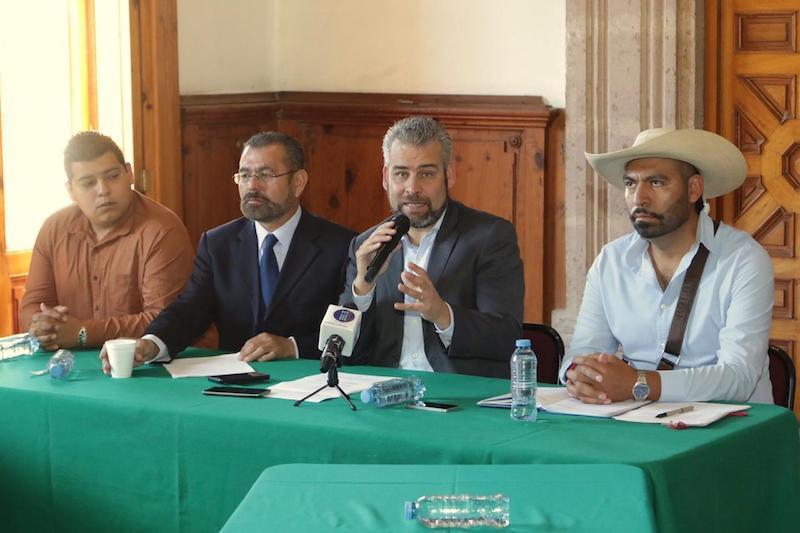En conferencia de prensa, el legislador de Morena y la Asociación Civil de Jefes de Tenencia anunciaron la realización de foros regionales orientados a dialogar con autoridades auxiliares