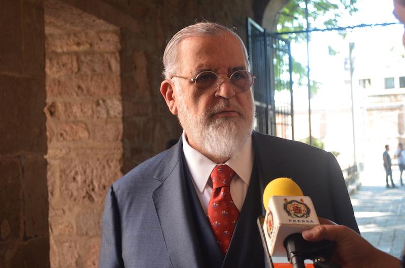 Previo a su plática, Soberanes Fernández fue entrevistado por medios de comunicación, ante quienes expresó su inquietud por la situación que en materia de seguridad y derechos humanos atraviesa el país