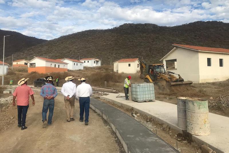 El proyecto de la nueva Comunidad Modelo se debe a la reubicación de la ciudadanía que habitaba el antiguo poblado de El Chihuero, como consecuencia de la construcción de una nueva presa para abastecer con servicio de riego a más de 700 hectáreas