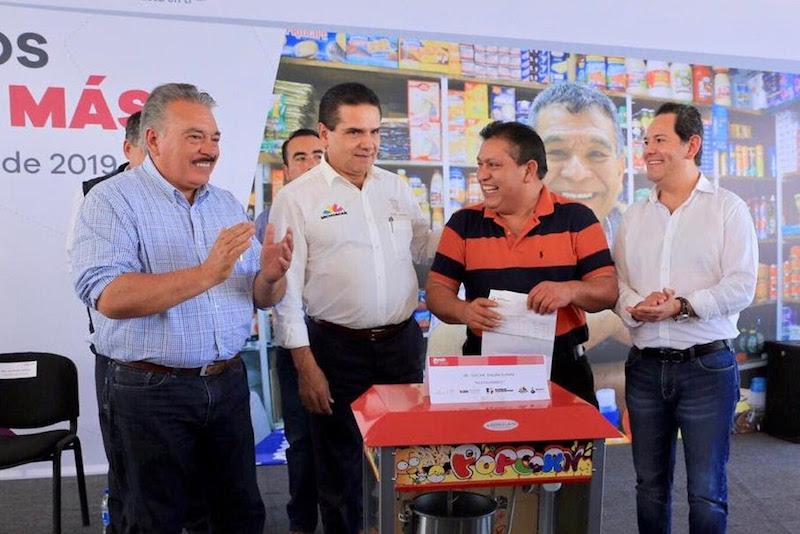 El gobernador de Michoacán expuso que ante la falta de certeza sobre los recursos de orden federal para impulsar a las y los emprendedores, el Gobierno del Estado está dispuesto a trabajar de la mano con los municipios y el sector empresarial