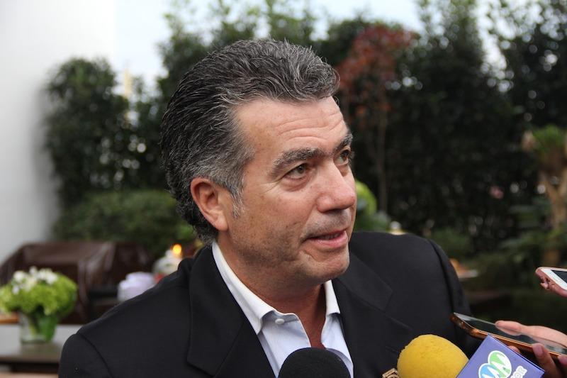 Arriaga Díez pidió a las autoridades competentes, revisar esta situación, ponderando siempre el interés de los michoacanos que merecen servicios de altura