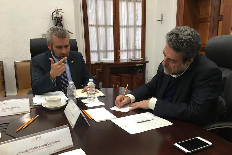 Con el propósito de contribuir a la estabilización financiera de la UMSNH, el legislador de Morena impulsa desde el Congreso del Estado dos propuestas