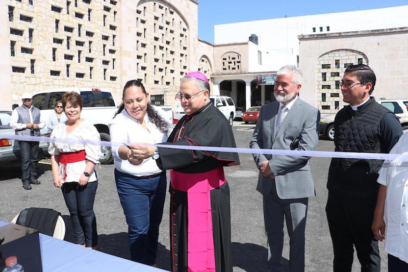 El obispo auxiliar señaló que a pesar de los cuestionamientos que se han hecho a todas las instituciones, la institución familiar sigue siendo la institución más apreciada y valorada por los mexicanos