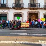 Los trabajadores exigen al Congreso del Estado dar marcha atrás a la medida anunciada por el gobernador de Michoacán, Silvano Aureoles