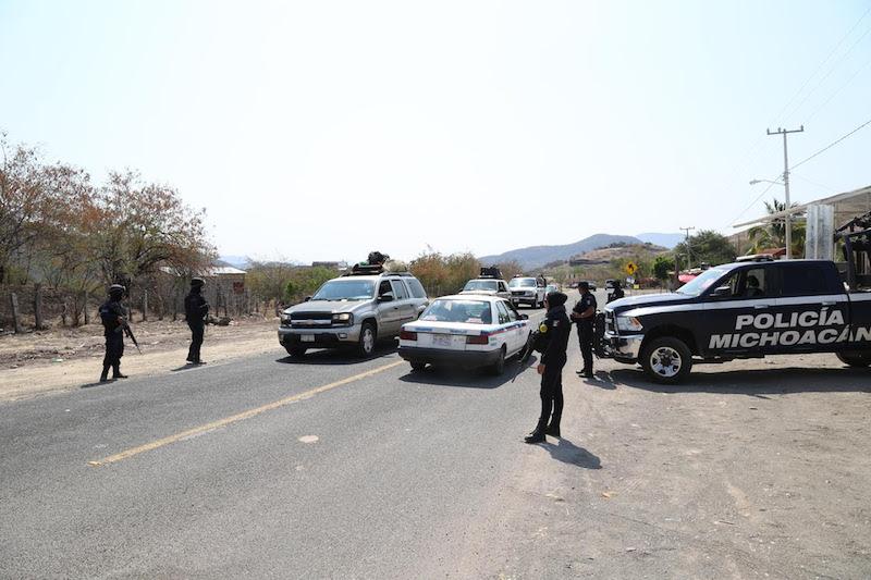 Con recorridos por aire y tierra, Juan Bernardo Corona corroboró la zona en la que los agentes de la Policía Michoacán desempeñan las acciones de proximidad