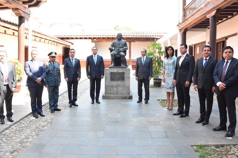 Salas Valencia reiteró el compromiso del Poder Legislativo para continuar fortaleciendo el marco normativo de la entidad