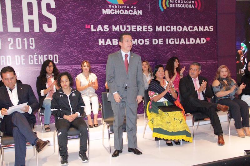 Salas Valencia recordó que la conmemoración del Día Internacional de la Mujer, es la oportunidad para que desde todos los niveles de gobierno, se sigan encausando esfuerzos para erradicar la violencia hacia las mujeres, en sus distintas expresiones