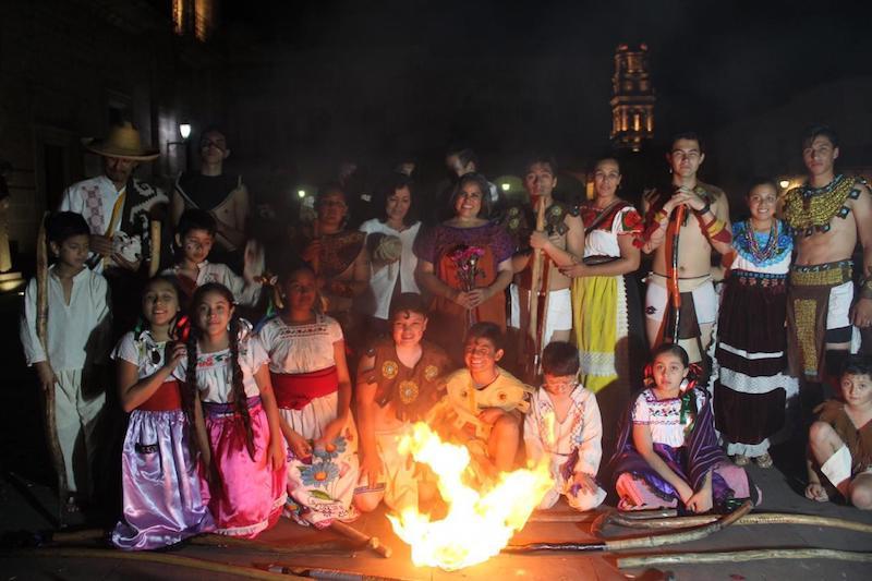 La interacción se realizó ante la mirada de niños, jóvenes y adultos que se acercaron a esta tradición milenaria