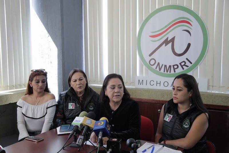 Al respecto, Gina Briceño encargada del Organismo Nacional de Mujeres Priistas (ONMPRI) en Morelia se pronunció y evidenció la falta de preparación, sensibilidad y empatía del ex futbolista