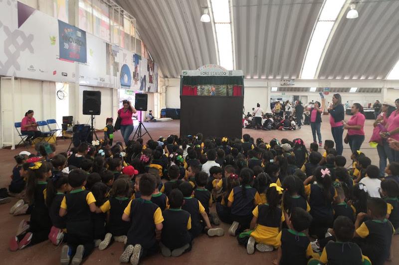 De manera simultánea, iniciaron actividades en los diversos escenarios del evento, con atractivos para diversos públicos
