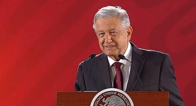 """En conferencia, el mandatario aseguró que cumplirá con su palabra de no buscar la reelección, ya que está de acuerdo con la máxima de Francisco I. Madero: """"sufragio efectivo no reelección"""""""