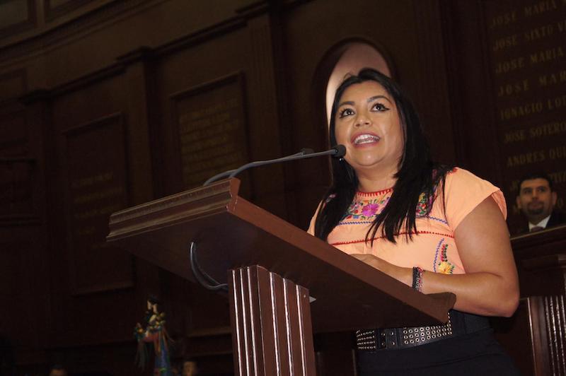 Brenda Fraga señaló que la actividad artesanal tiene un valor económico, cultural y de identidad de mucha importancia en nuestro estado