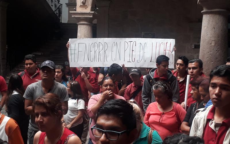 Estudiantes antorchistas se quejan por falta de atención de Raúl Morón