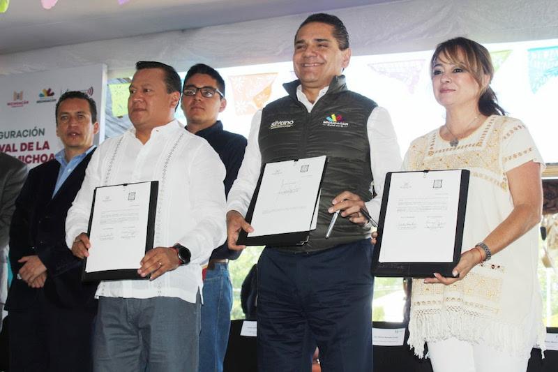 Con esto la Universidad Intercultural Indígena de Michoacán refrenda su compromiso con las comunidades y los pueblos originarios de ser la portadora de conocimiento y desarrollo su población