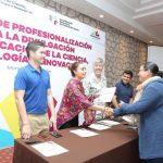 Al clausurar los talleres, la Coordinadora General de Comunicación Social, Julieta López Bautista, explicó que los cursos constituyen un esfuerzo conjunto entre el Instituto de Ciencia, Tecnología e Innovación y la propia Coordinación
