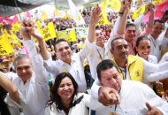 Acompañado de liderazgos del PRD a nivel nacional, Aureoles Conejo convocó a impulsar un nuevo ciclo de movilización social que defienda los principios de la Nación, como el sufragio efectivo y no reelección