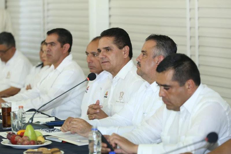 En las instalaciones del Centro Integral de Servicios, el mandatario estatal estableció la ruta de trabajo que habrán de recorrer los representantes de la administración estatal