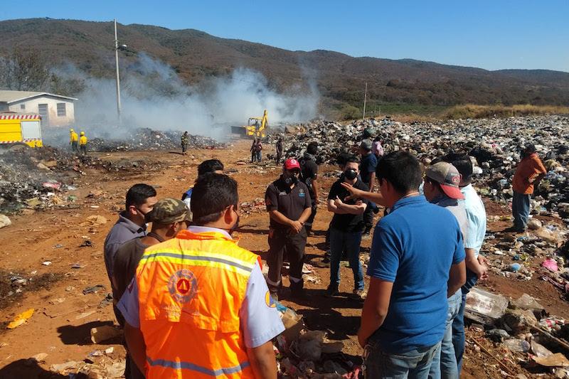 Protección Civil Estatal ha mantenido desde el inicio de la conflagración, estrecha comunicación con las autoridades municipales
