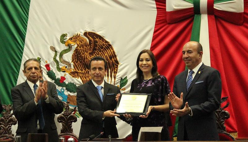 Fermín Bernabé Bahena, presidente de la Junta de Coordinación Política, insistió en la urgencia de trabajar por el bienestar de la sociedad michoacana