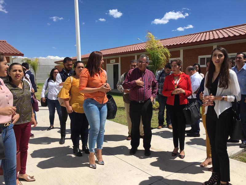 El Jefe Regional recordó que los Centros Integrales de Servicios, son la apuesta del gobernador Silvano Aureoles, para hacer de su Gobierno una administración innovadora