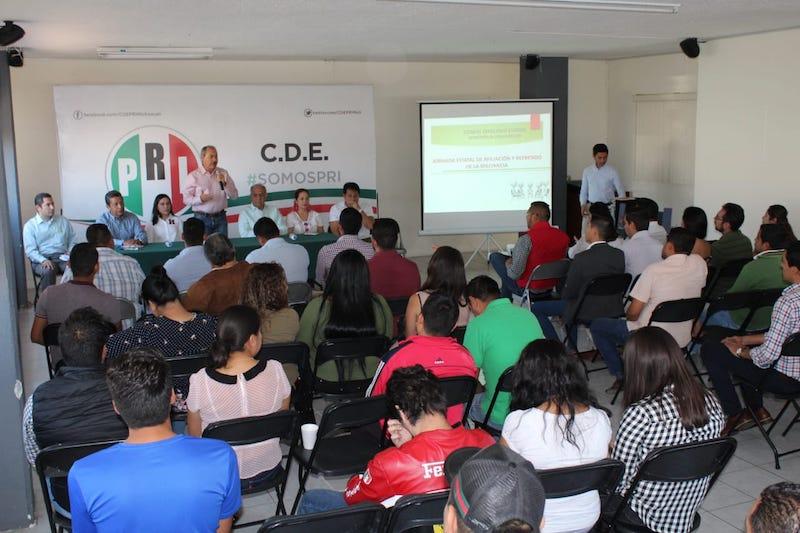 Silva Tejeda y Martini Castillo coincidieron que es importante la interlocución con los jóvenes y que se sumen a los trabajos del Comité, como es este caso la afiliación y el refrendo de la militancia