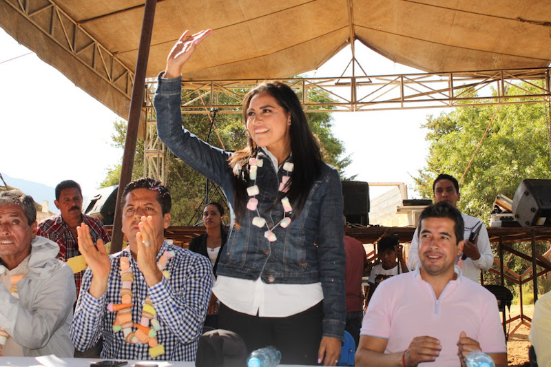 La líder de la bancada del PRD agradeció a la población de Cuanajo el apoyo y confianza que siempre le han brindado, además de resaltar su compromiso con todas las comunidades de su Distrito de Pátzcuaro