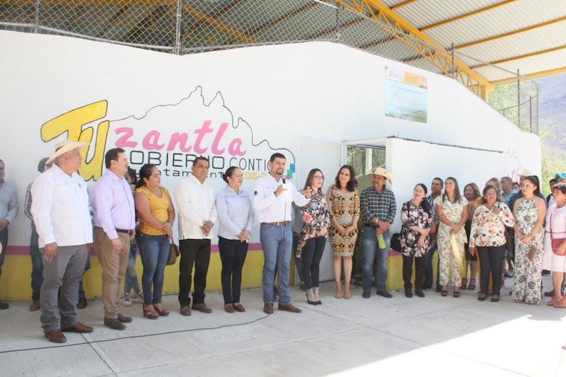 Ante los habitantes de Tuzantla, Octavio Ocampo el legislador se pronunció por fortalecer la cultura de la práctica de deportes, y puntualizó que ello debe ser también una política pública dentro del sector salud