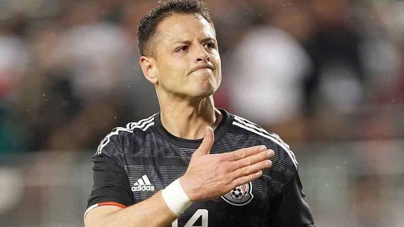 Hernández se convirtió en el máximo anotador en la historia de la selección mexicana en el 2017 con un tanto que le hizo a Croacia en un duelo de preparación para llegar a los 47 goles y superar los 46 de Jared Borgetti