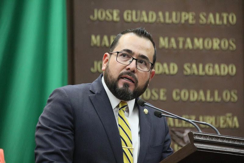 González Villagómez manifestó que coincide con el sustento de que la descentralización ayudará a reactivar la economía de los estados