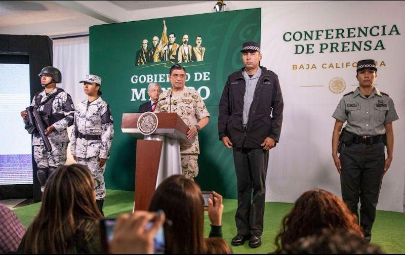 Los uniformes fueron mostrados a los medios de comunicación durante la conferencia de prensa del Presidente López Obrador, quien se encuentra de gira por Tijuana