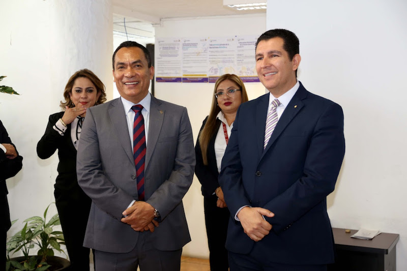 Durante una reunión de trabajo y acercamiento con el personal, el Fiscal General reconoció el trabajo que durante este primer año ha realizado la Fiscalía Especializada a cargo de Alejandro Carrillo Ochoa