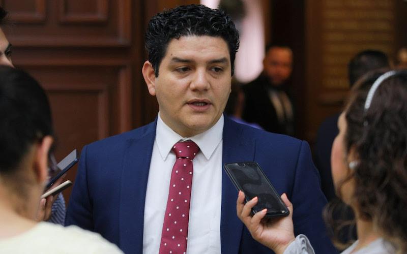 Madriz Estrada es presidente de la Comisión de Educación en el Congreso del Estado