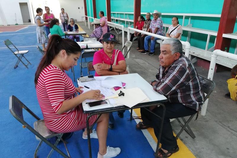 En los casos más recientes, se autorizó la documentación de 35 habitantes del municipio de Charo y 25 de Villa Jiménez
