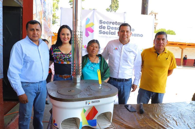 El programa 'Casa Bienestar', atiende diversas carencias sociales de la población, contribuyendo a mejorarlas