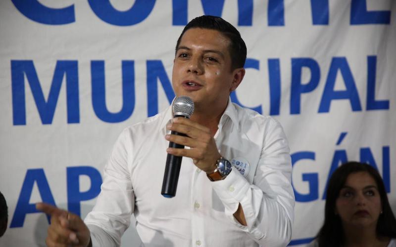 Seguiremos desde nuestra trinchera impulsando la equidad en igualdad de la mujer: Óscar Escobar Ledesma