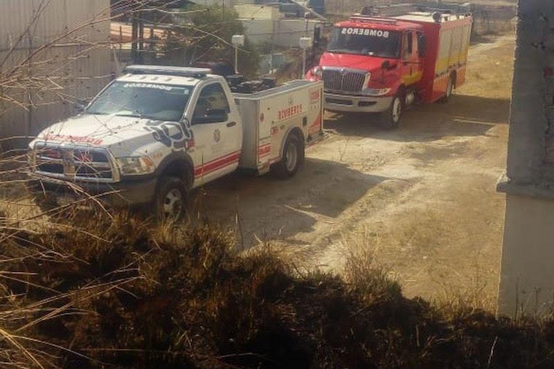 Cabe señalar que desde el primer momento en que fue reportado este incendio, al menos 25 elementos de los cuerpos de bomberos del estado y del municipio, acudieron a las cercanías de los domicilios para combatir puntualmente el fuego